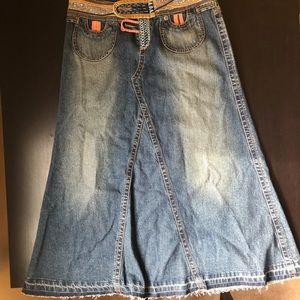 Cabi original design by Carol Anderson jean skirt